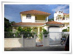 classic style house for sale in Costambar beach