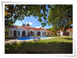 4 bedroom beach front villa 5 mins from Sosua El Batey