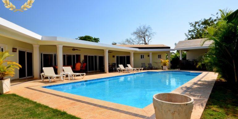 rental-villa-702-1