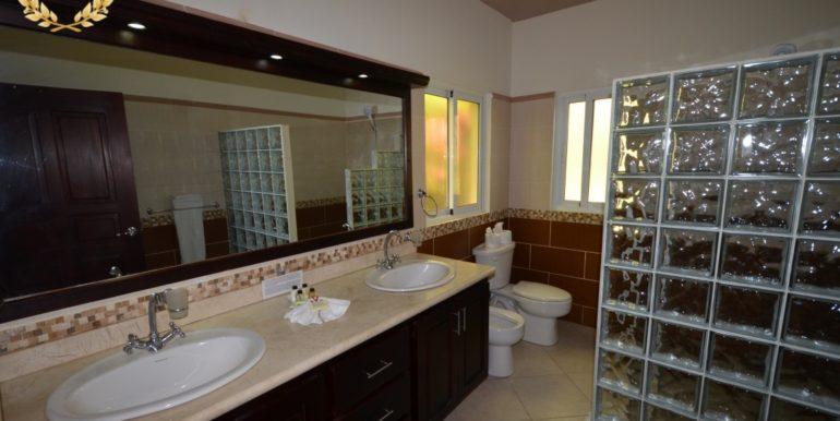 rental-villa-613-11