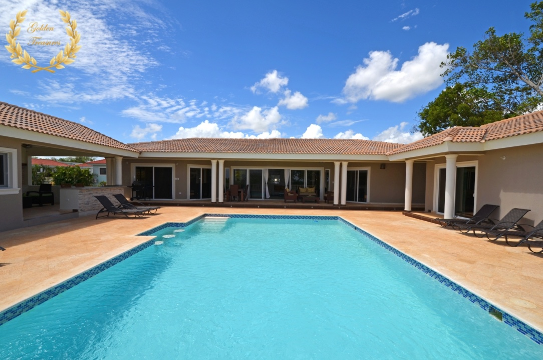4 Bedroom Dominican Villa Rental