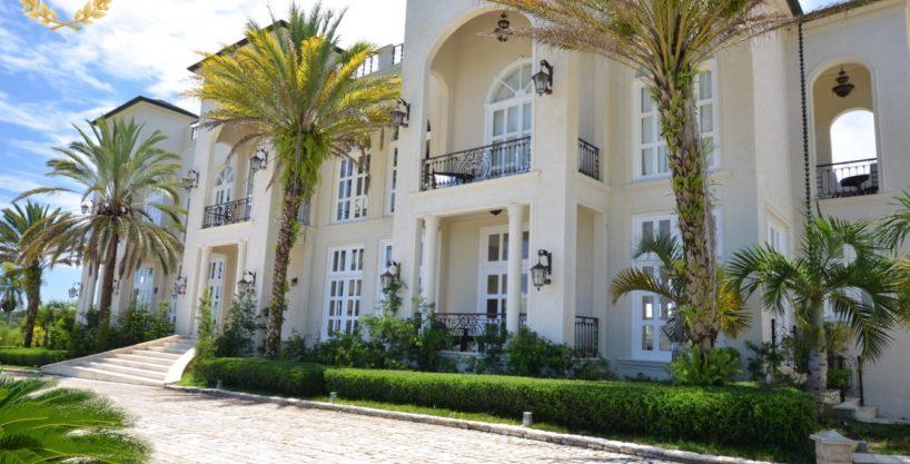 10 Bedroom Luxury Villa Rental