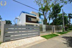 3 bedroom luxury villa rental in Sosua close to beach