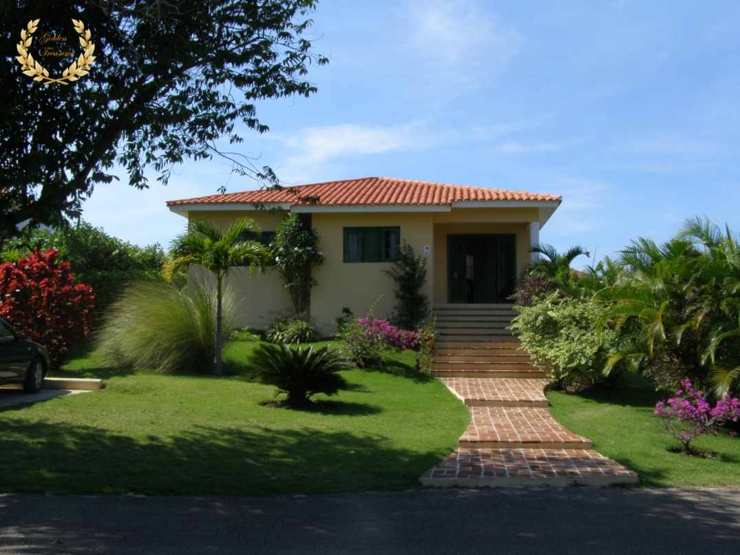 Tropical Villa For Rent in Sosua