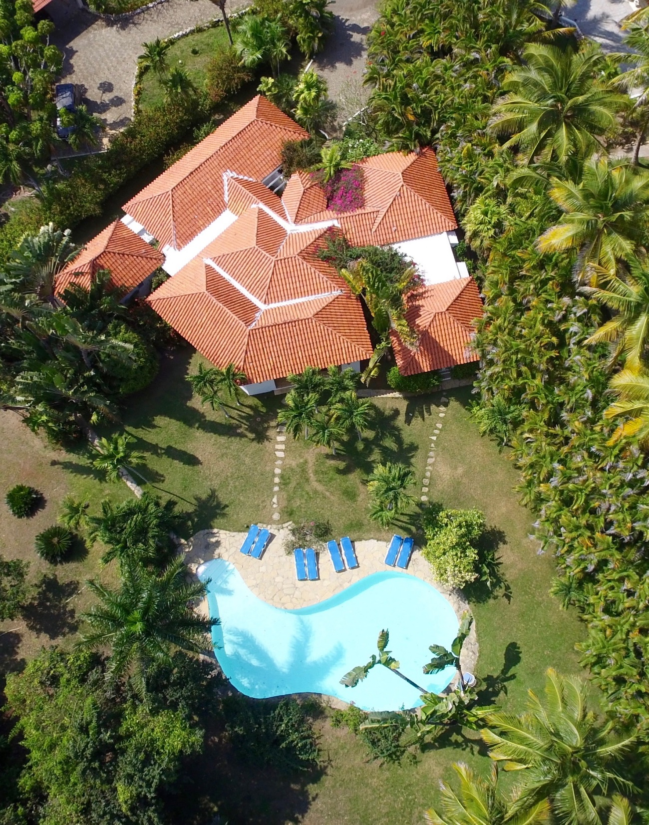 5 Bedroom Beach Access Villa Rental in Cabarete