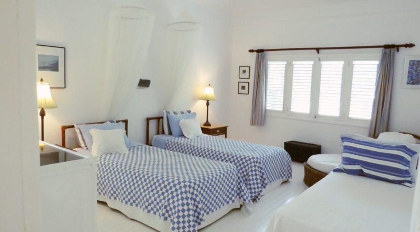 front-triple-bedroom
