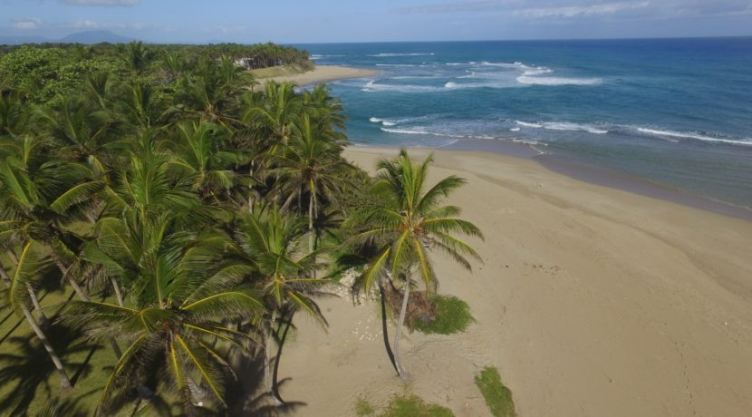 nearby-Encuentro-beach-2