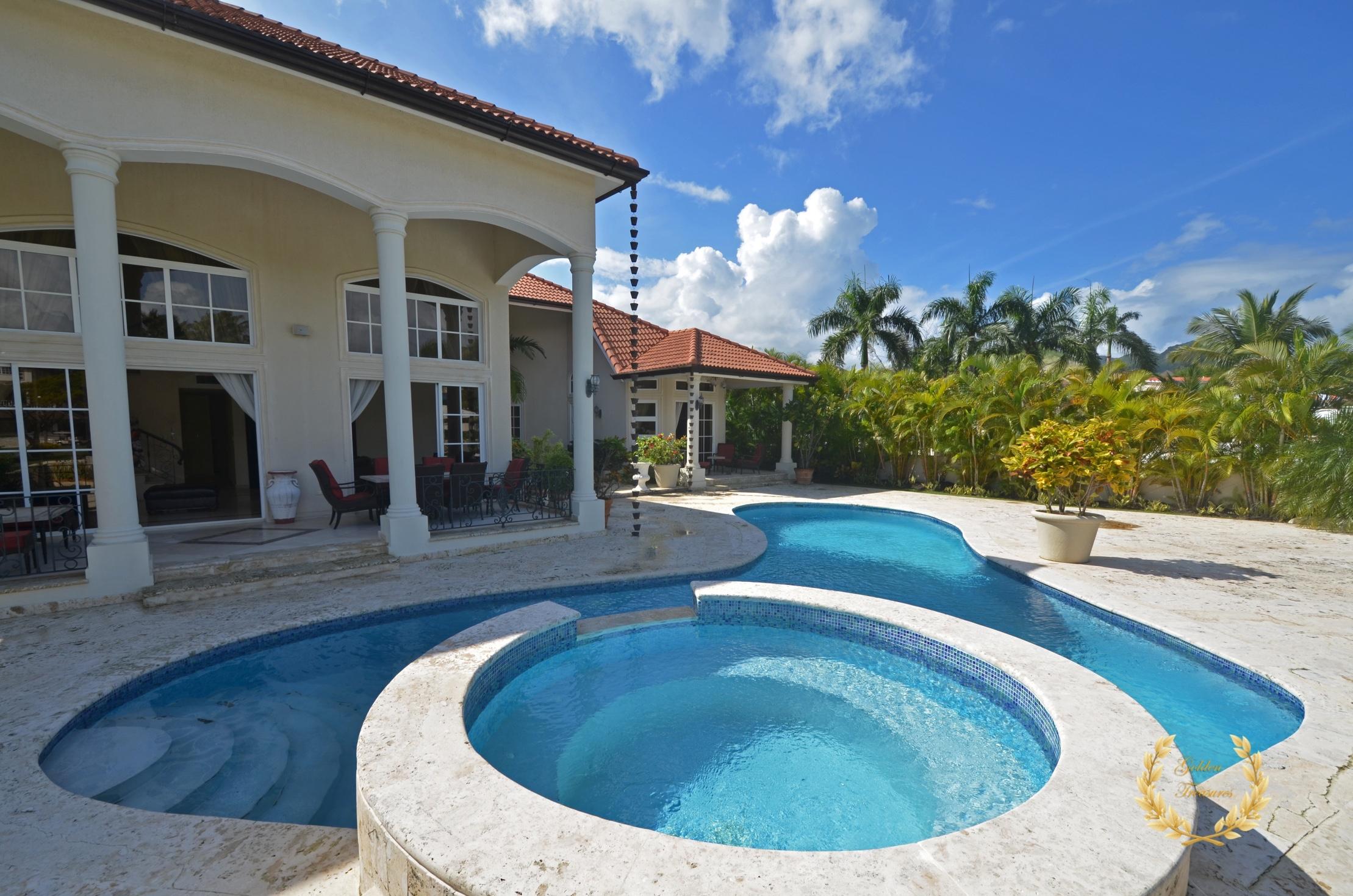 6 Bedroom Villa For Rent in Cofresi, Puerto Plata