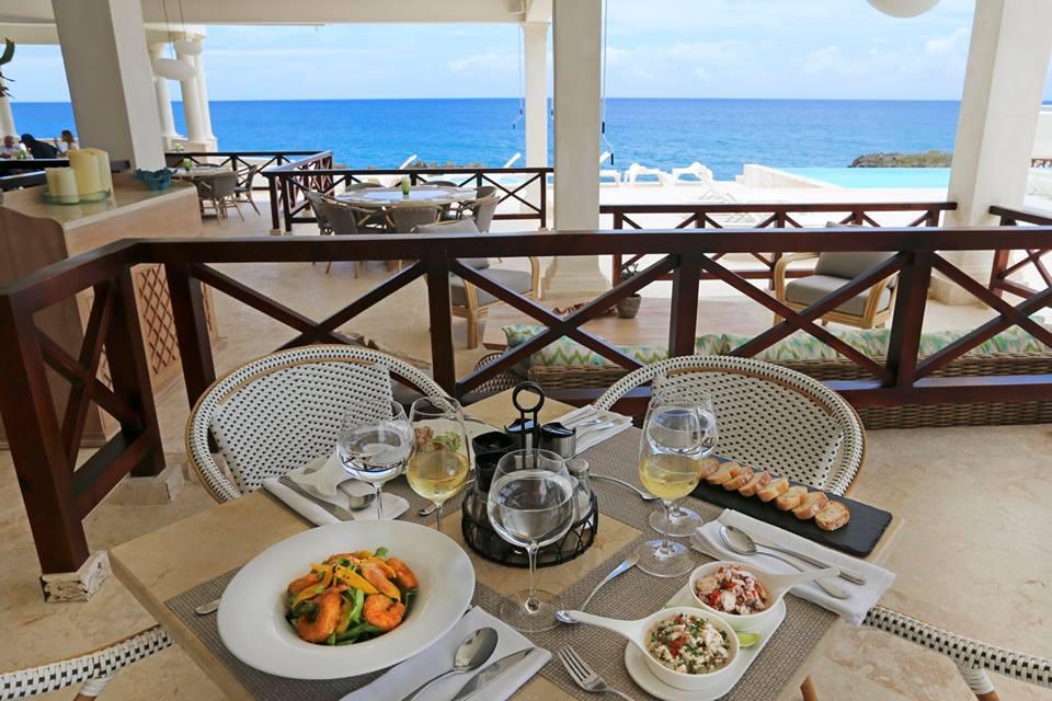 restaurant maria is oceanfront