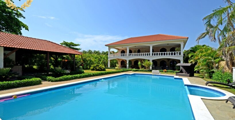 Luxury Waterfront Villa Rental