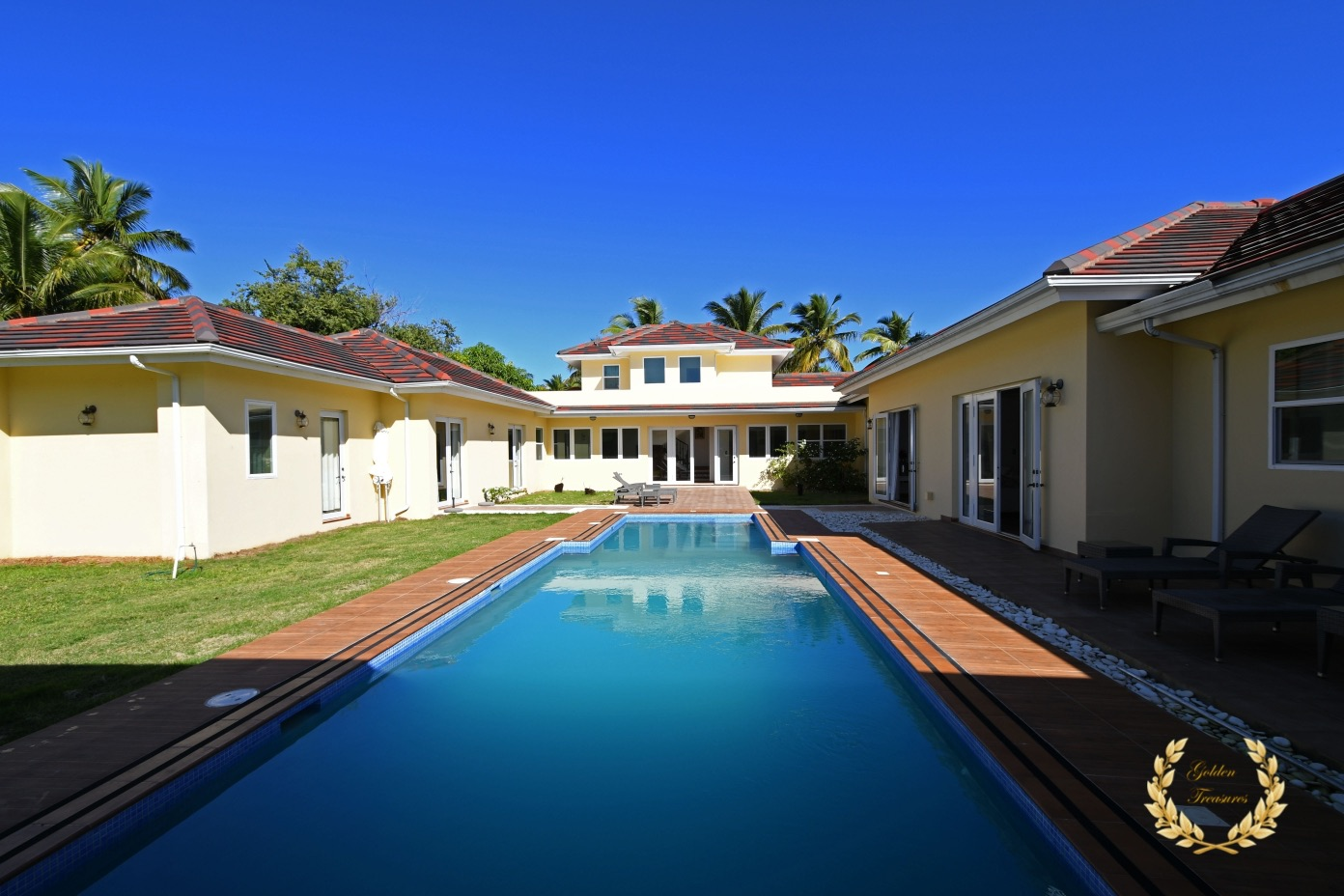5 Bedroom Luxury Villa Rental Cabarete