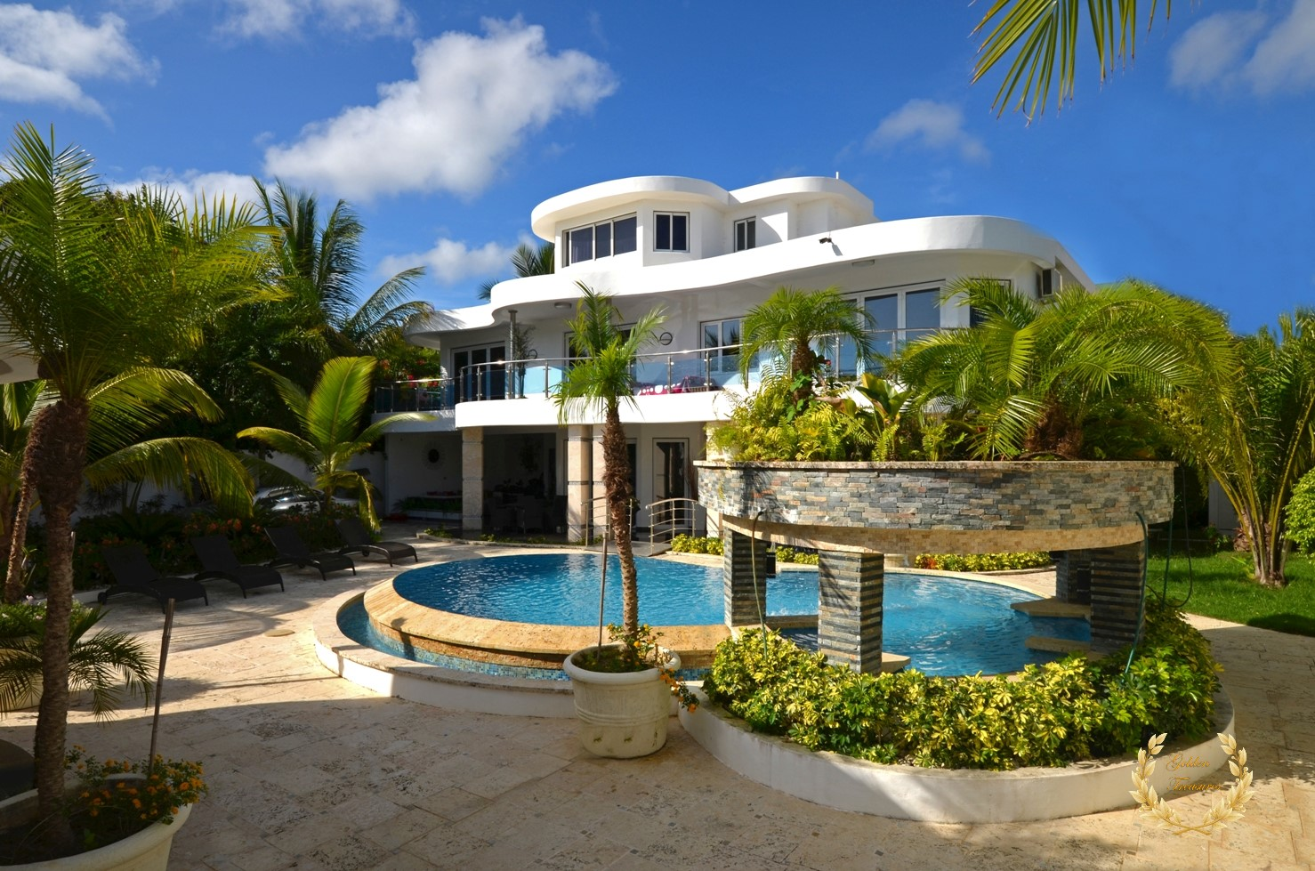 Luxury Villa For Sale in Sosua