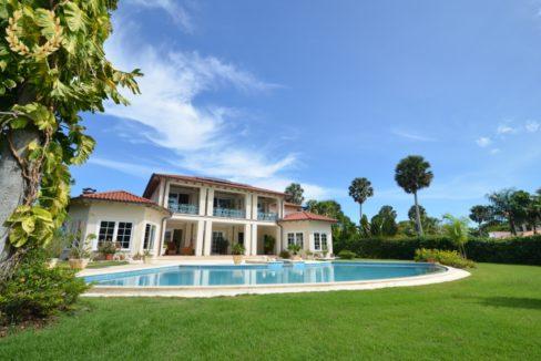 beach villa for sale in Cabarete near Encuentro