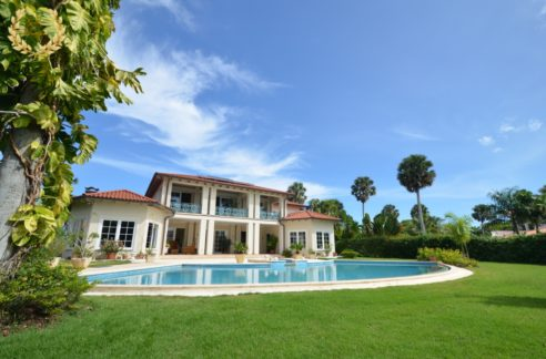 beach villa for sale in Cabarete near Encuentro