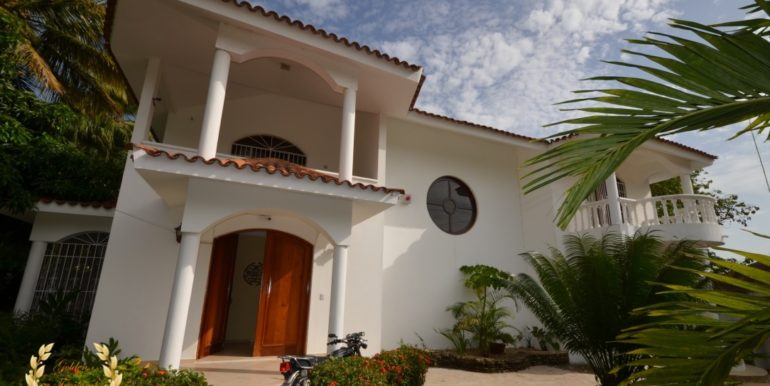 large-home-sosua-2