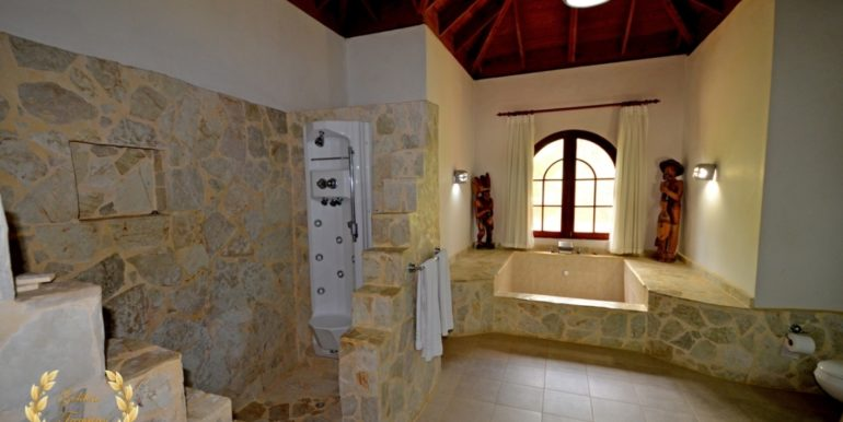 sosua-luxury-villa-11