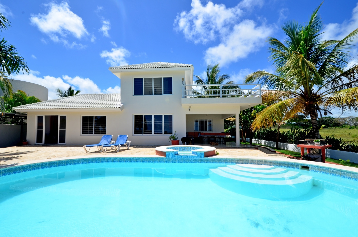 4 bedroom Villa For Sale with Scenery