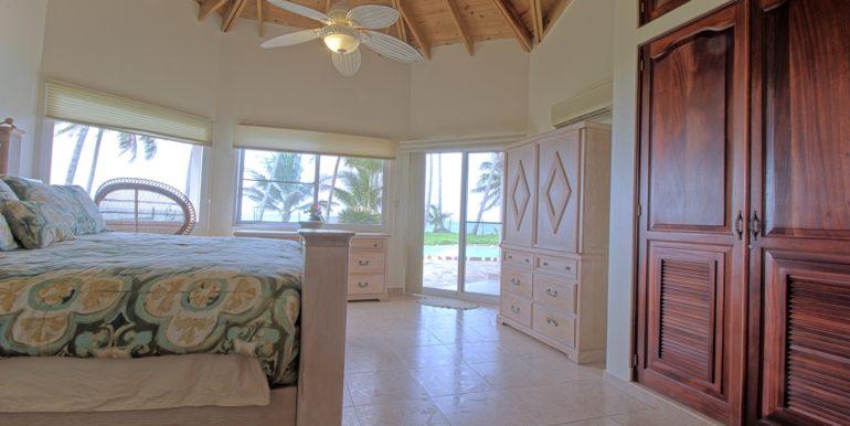 beachvilla121821