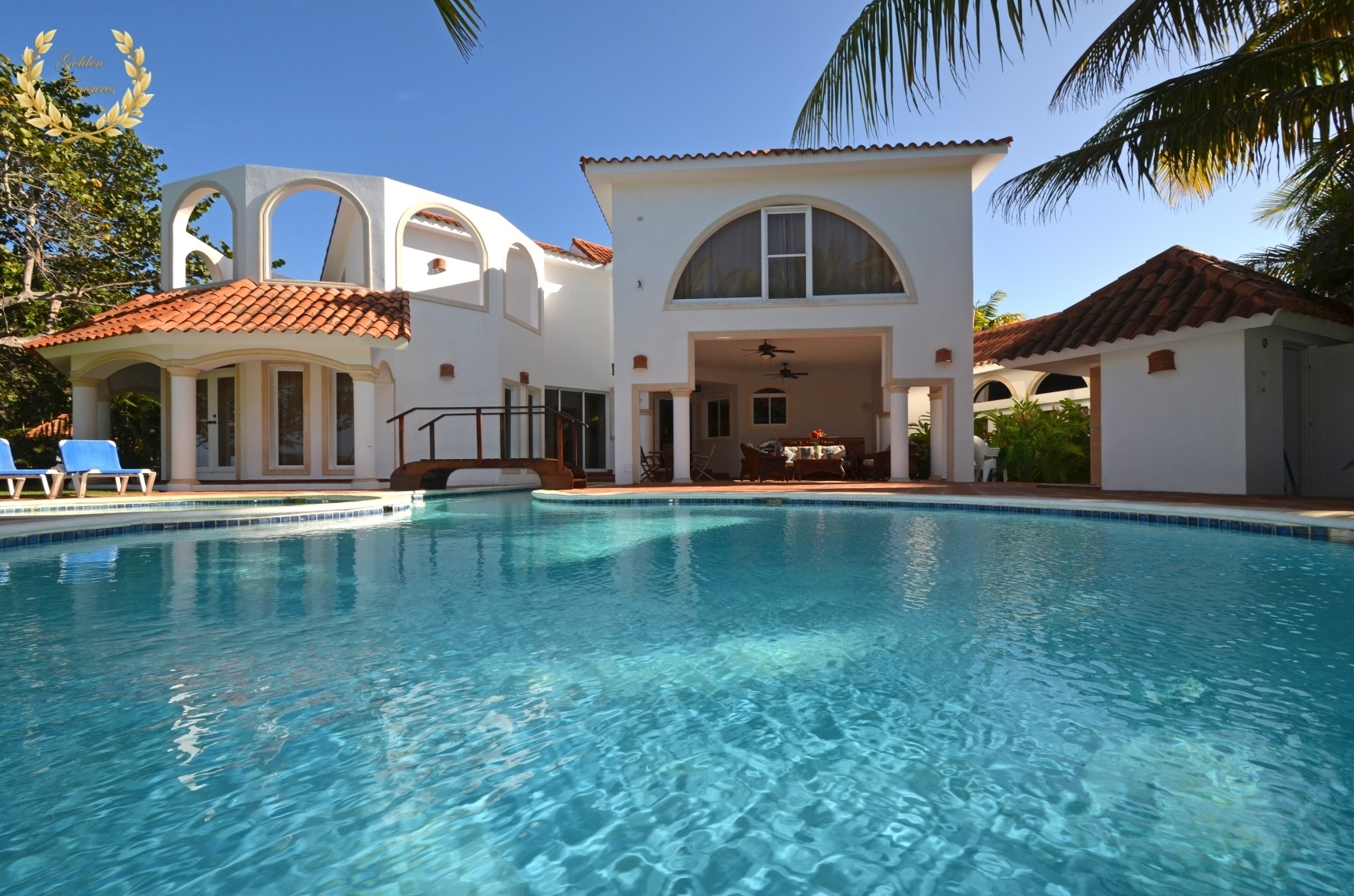 Luxury Beach Front Villa in Cabarete