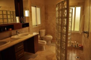 deluxe bathroom of the ultima
