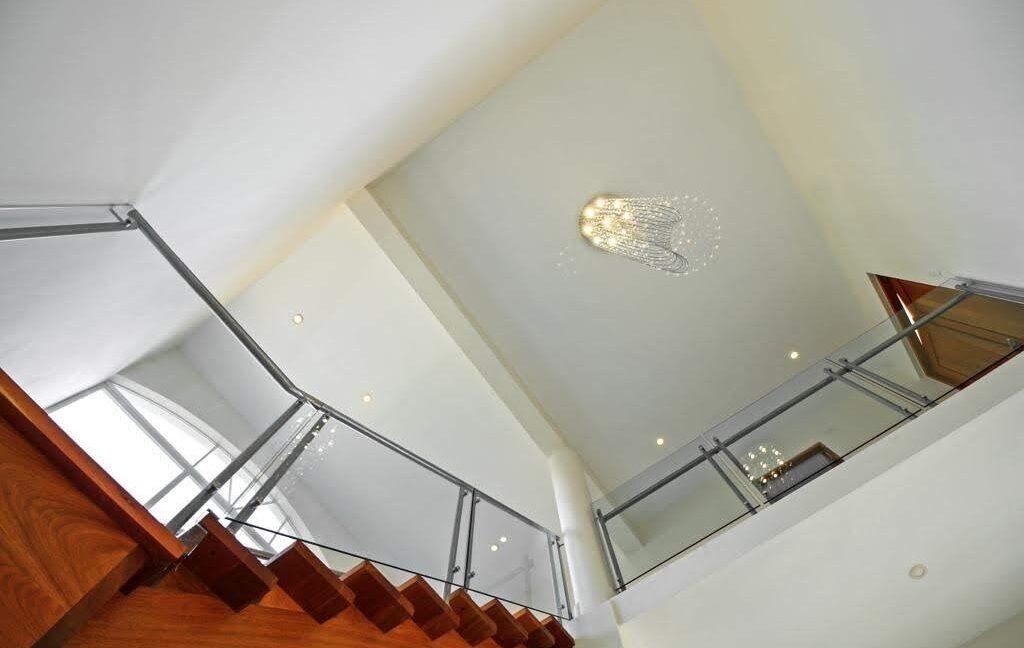 luxuryvilla250103