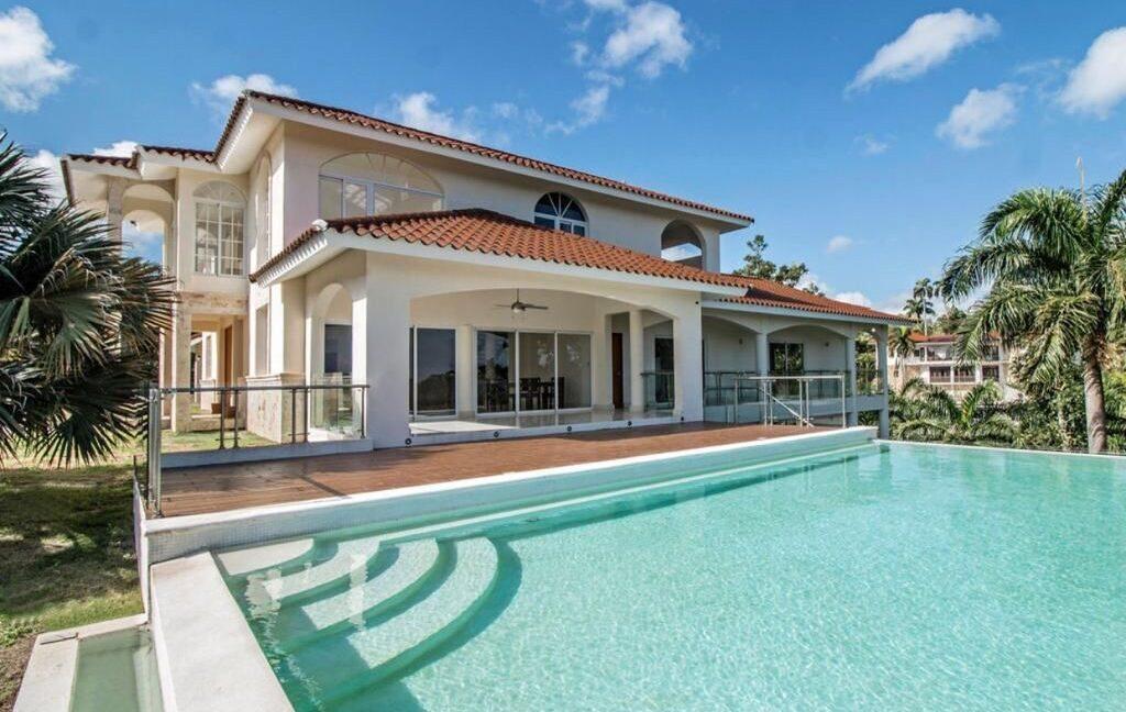 luxuryvilla250111